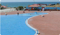 Большой бассейн на территории турбазы